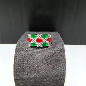 Women`s marked 925 red green stone ring.